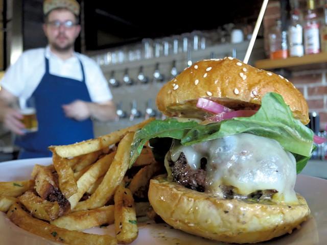 Hatchet burger - MATTHEW THORSEN
