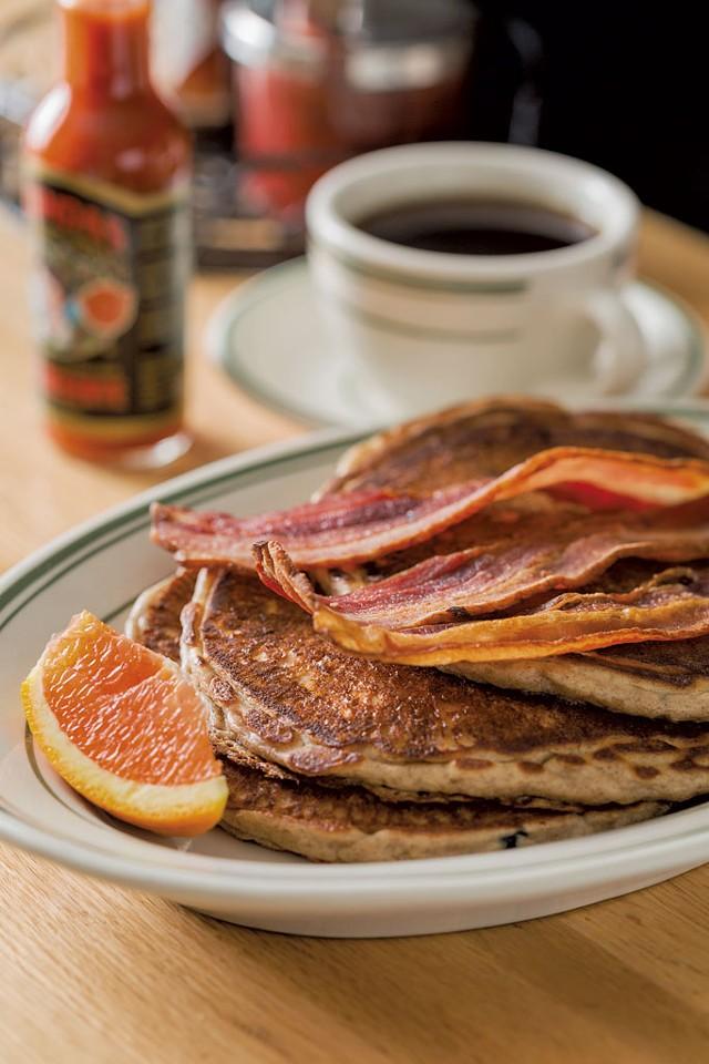 Gingerbread pancakes - OLIVER PARINI