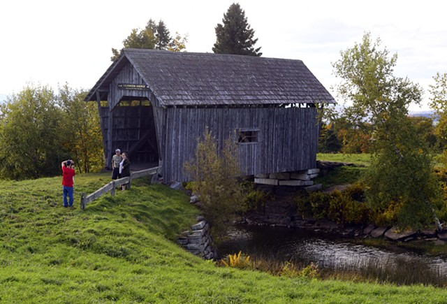 A.M. Foster Covered Bridge, Cabot - JEB WALLACE-BRODEUR