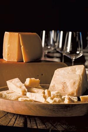 Gouda L'amuse (top) and Parmigiano Cravero - OLIVER PARINI