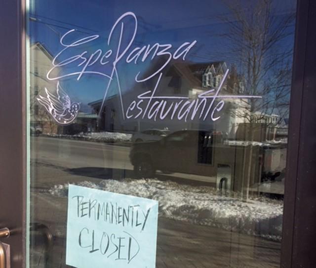 Sign on the door at Esperanza Restaurante - LINDA OATS