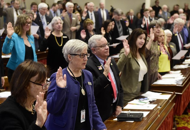 Members of the House taking their oaths of office - FILE: JEB WALLACE-BRODEUR
