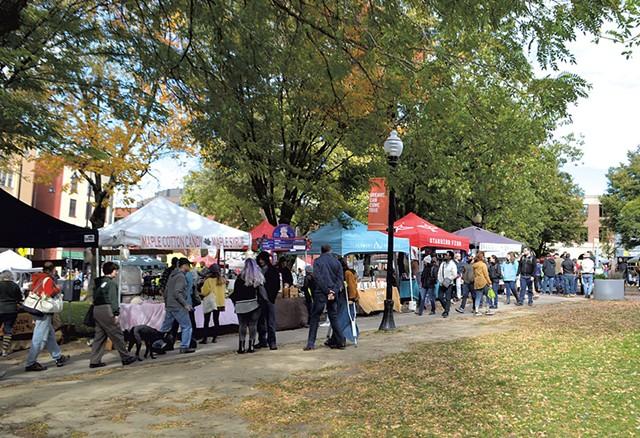 Burlington Farmers Market - FILE: KATIE JICKLING