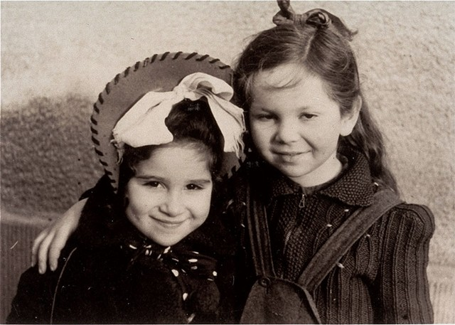 Henia Wisgardisky (right) with her cousin, Bluma Berk - COURTESY OF HENIA WISGARDISKY LEWIN