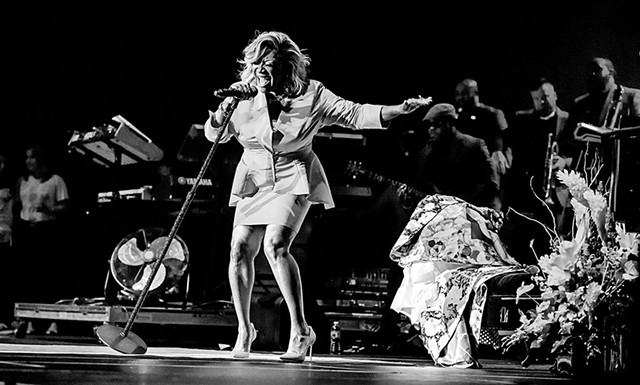 Patti Labelle Performing At The Forum In Los Angeles - COURTESY OF ANDY KEILEN/FORUM PHOTOS