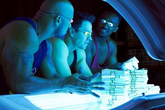 Dwayne Johnson, Mark Wahlberg and Anthony Mackie in Pain and Gain - PARAMOUNT PICTURES