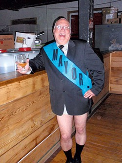 """Ric Cengeri as the """"dirty mayor"""""""