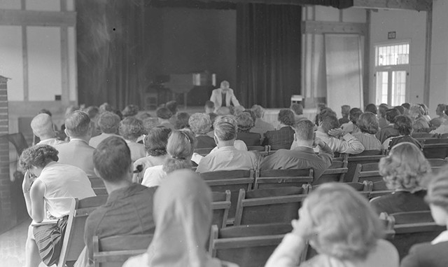 A Bread Loaf Writer's Conference lecture in 1951 - COURTESY OF MIDDLEBURY COLLEGE SPECIAL COLLECTIONS