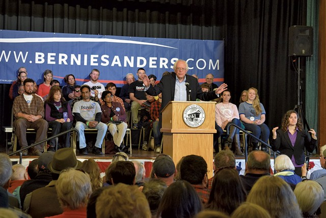 Sanders campaigning in New Hampshire - TERRI HALLENBECK
