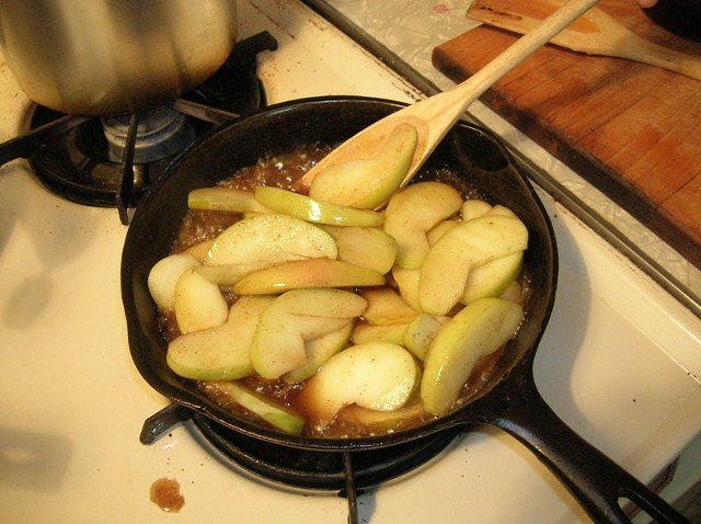 cooking_apples.jpg