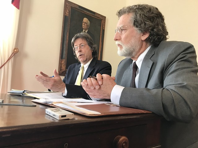 Administration economist Jeff Carr, left, and legislative economist Tom Kavet - FILE: TAYLOR DOBBS