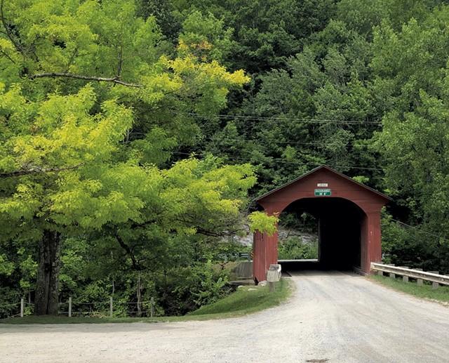 The West Arlington Covered Bridge - JORDAN BARRY ©️ SEVEN DAYS