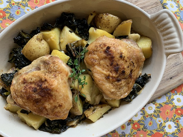 Garlicky chicken, potatoes and kale - MELISSA PASANEN ©️ SEVEN DAYS