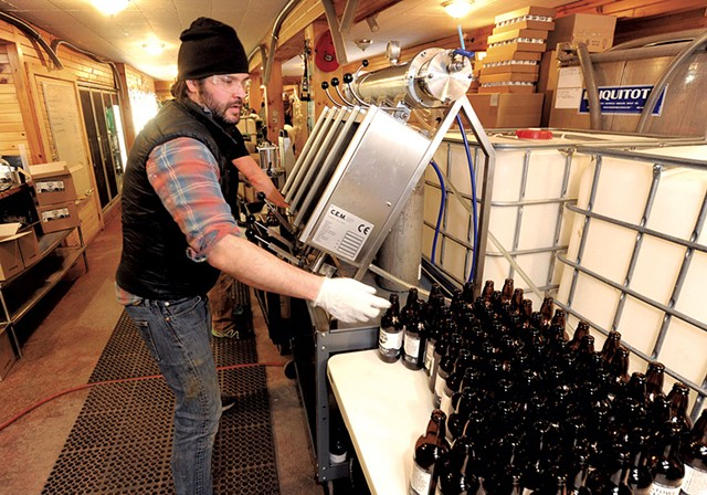 Co-owner Stefan Windler filling bottles at Stowe Cider - JEB WALLACE-BRODEUR