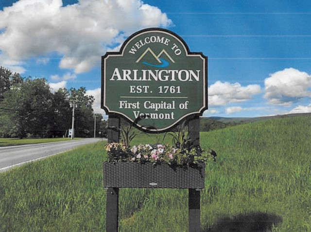 Arlington welcome sign - COURTESY OF PAT AND JOHN WILLIAMS
