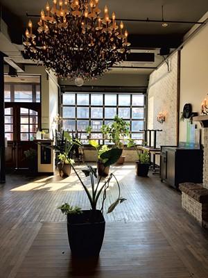 Inside Vivid Coffee - JORDAN BARRY ©️ SEVEN DAYS