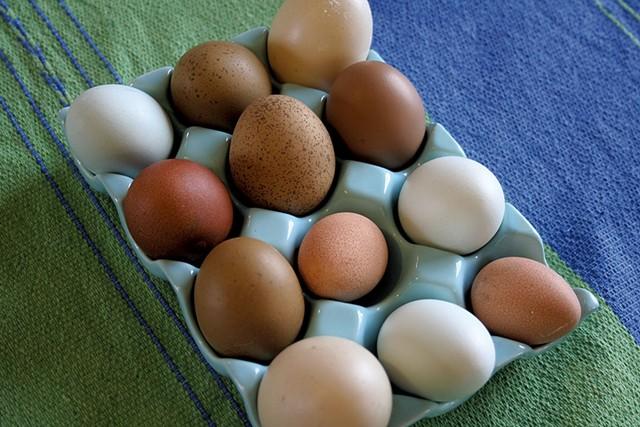 Sobremesa eggs - SUZANNE PODHAIZER