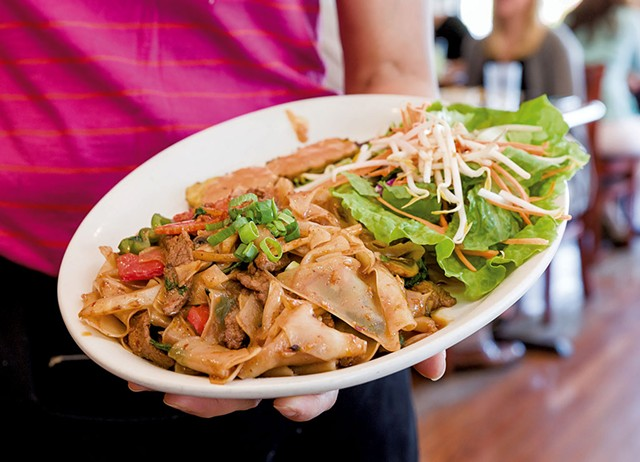 Pad Kee Maow (Drunken Noodles) - at Tiny Thai Restaurant - FILE: OLIVER PARINI