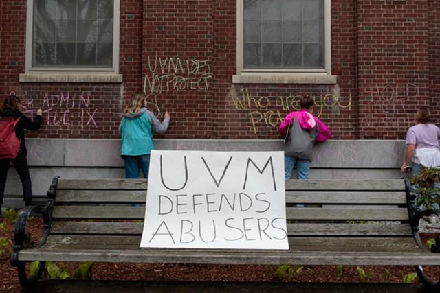 Student demonstrators leave messages on UVM's Waterman Building - COLIN FLANDERS ©️ SEVEN DAYS