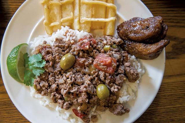 Miami Mami's picadillo con yuca frita - JAMES BUCK