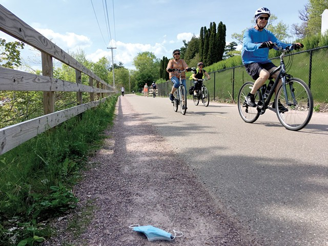 The Burlington bike path - PAULA ROUTLY ©️ SEVEN DAYS