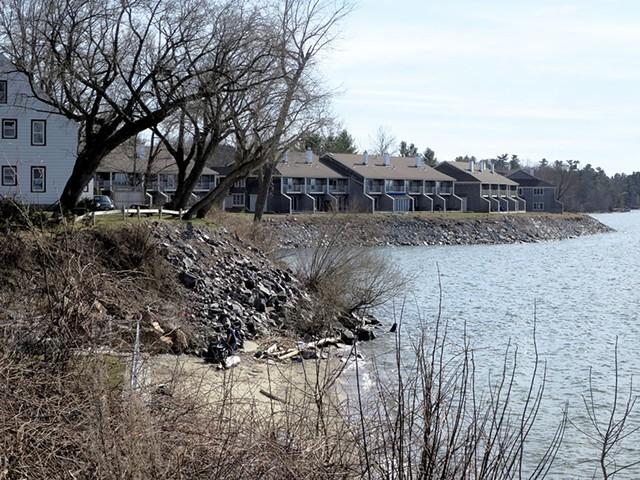 Harbor Watch condominiums - MATTHEW THORSEN