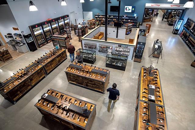 Parro's Gun Shop - JEB WALLACE-BRODEUR