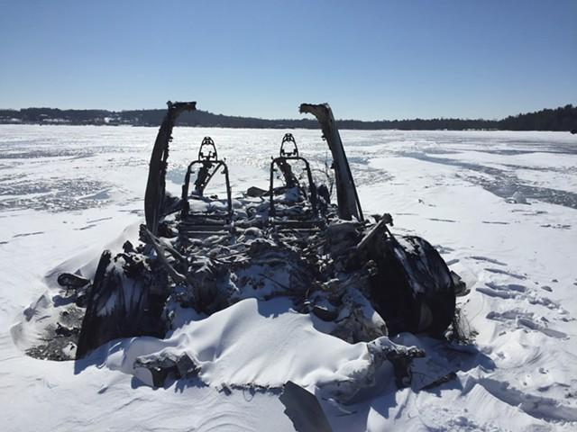 The Tesla that burned on Lake Champlain in 2019 - SASHA GOLDSTEIN ©️ SEVEN DAYS