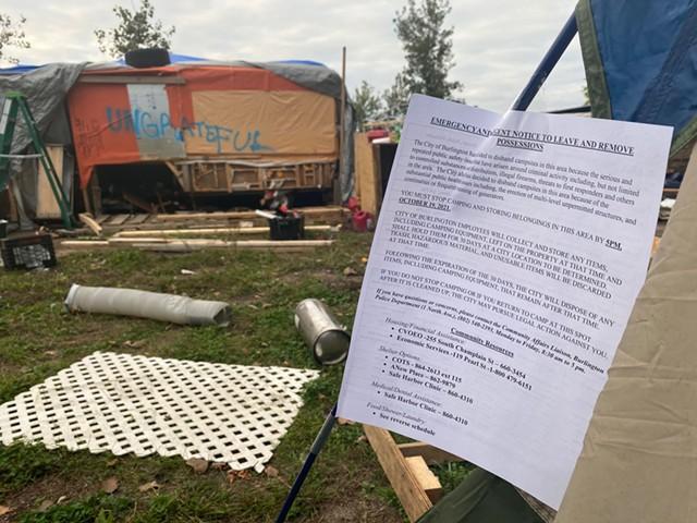 A notice to vacate Sears Lane - SASHA GOLDSTEIN ©️ SEVEN DAYS