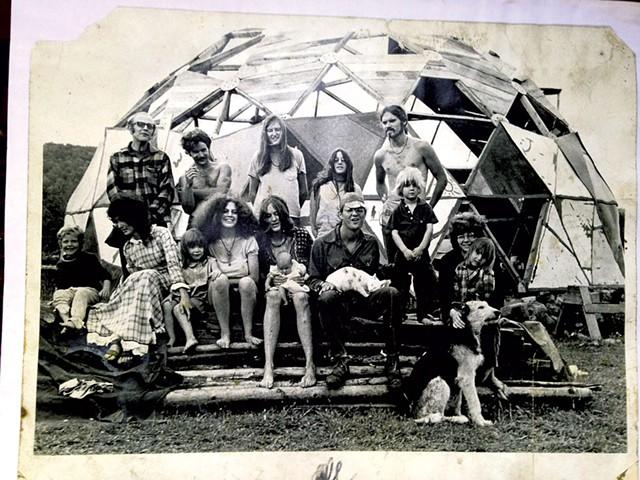Mullein Hill commune, West Glover, 1971 - COURTESY OF LORAINE JANOWSKI/PUBLIC AFFAIRS