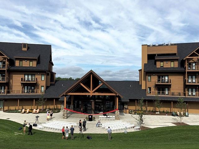 Burke Mountain Hotel & Conference Center - MARK DAVIS