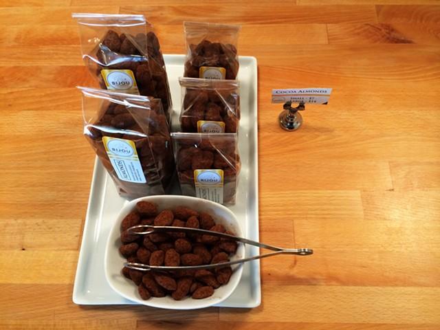 Cocoa almonds - JULIA CLANCY