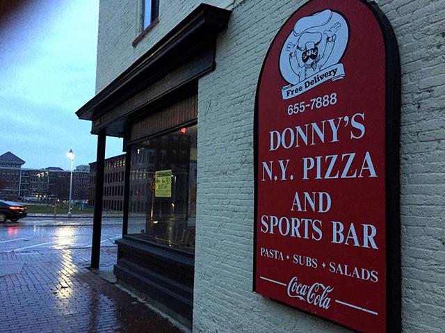 Donny's New York Pizza & Sports Bar - ANDREA SUOZZO