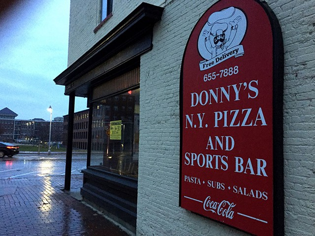 Donny's New York Pizza & Sports Bar - ANDREA SUOZZO