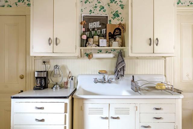 Janie Cohen's Burlington home - OLIVER PARINI