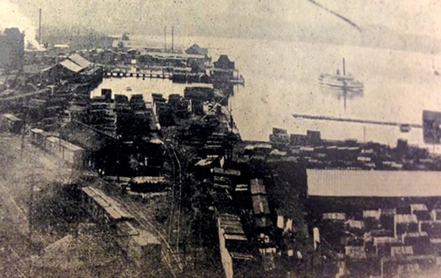 Burlington waterfront in 1944