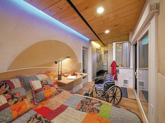 WheelPad bedroom - CAROLYN BATES PHOTOGRAPHY