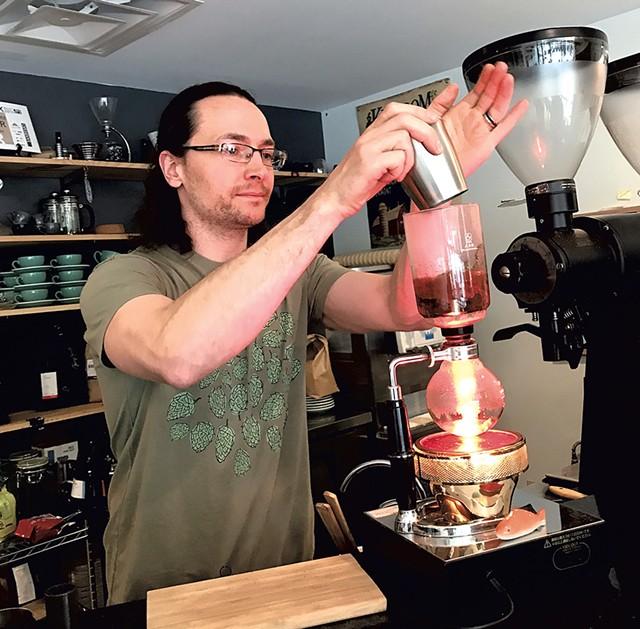 Onyx Tonics Specialty Coffee owner Jason Gonzalez - SUZANNE PODHAIZER