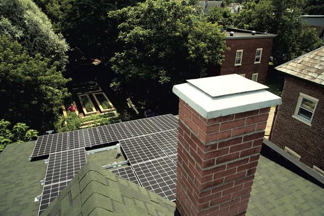 Sky Yardley and Jane Dwinell's rooftop solar array - MATTHEW THORSEN