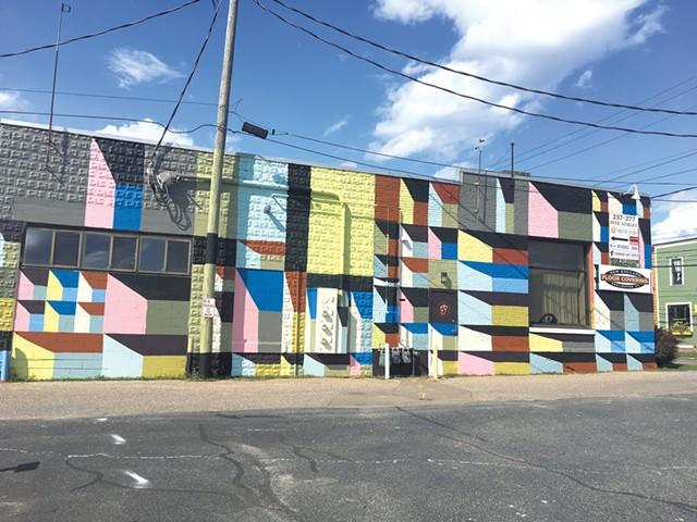 Clark Derbes mural at Tapna Yoga