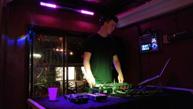 DJ Cliff - JORDAN ADAMS