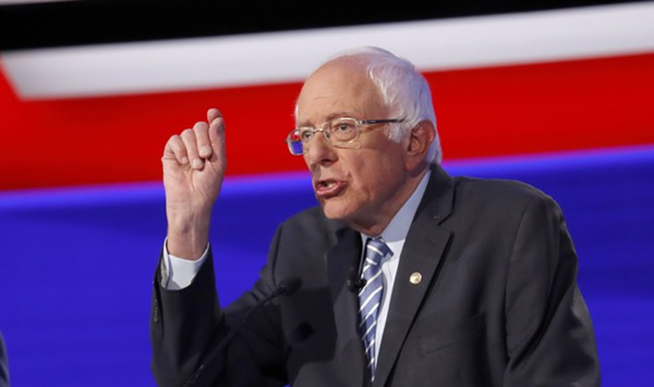 At High-Stakes Debate, Sanders Shows He's Ready to Fight
