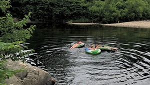 Vermonting: Slippers, Tubing and Beer in the Mad River Valley