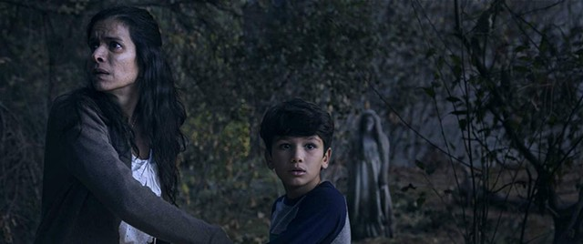 WEEPERS CREEPERS A child-stealing spirit terrorizes families, but not audiences, in Chaves' boilerplate horror flick.