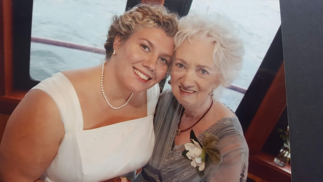 Hausman, left, with her mother, Madelyne Wight - COURTESY OF CYNTHEA HAUSMAN