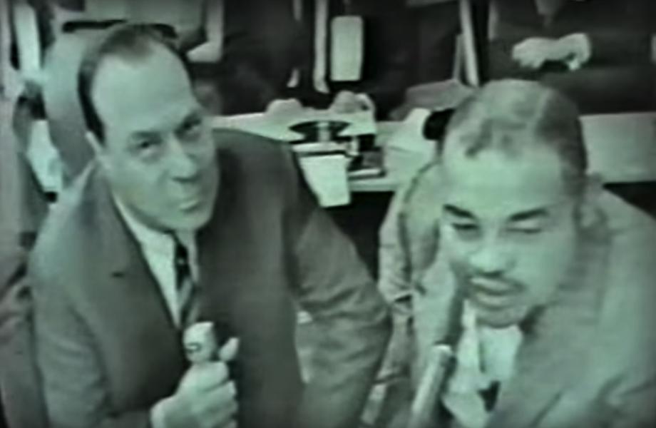 Commentators Steve Ellis and Joe Louis.