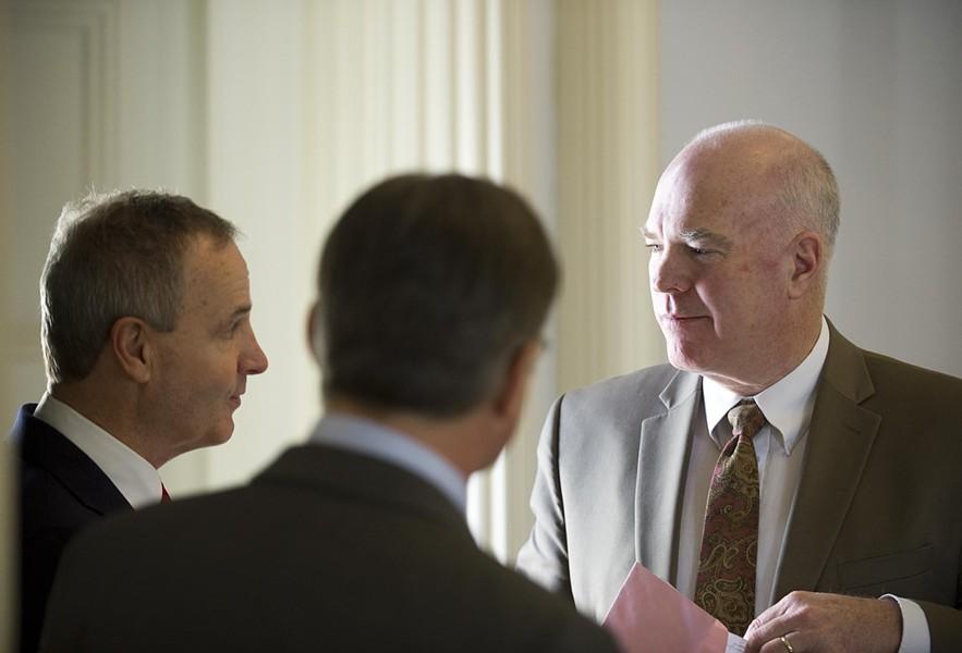 Sen. Chris Bray and Sen. Phil Baruth speak with Sen. Joe Benning - JEB WALLACE-BRODEUR