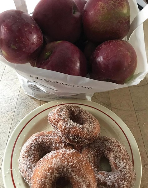 Apples and cider doughnuts from Shelburne Orchards - SALLY POLLAK ©️ SEVEN DAYS