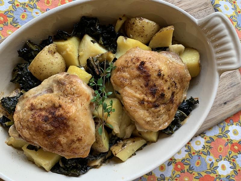 Garlicky chicken, potatoes and kale - MELISSA PASANEN ©️ SEVEN DAYS