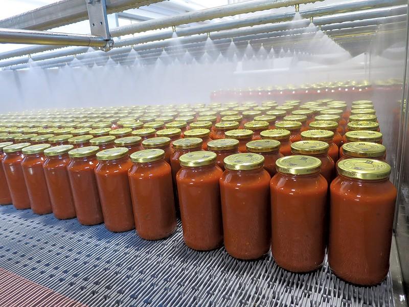 Bove's sauce hot off the jarring line - MATTHEW THORSEN